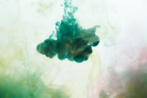水の抽象的な背景のインク