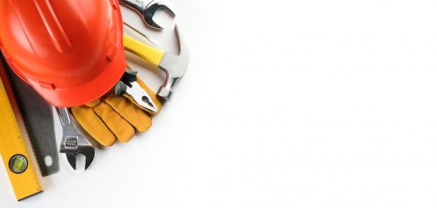 Инструмент для строительства дома или ремонта квартиры, на белом фоне. баннер.