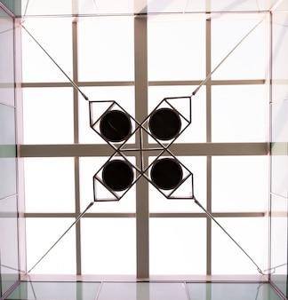 幾何オブジェクトと天井の底面図