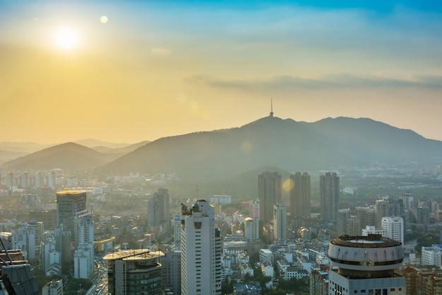 タワー金融針ロサンゼルス屋外