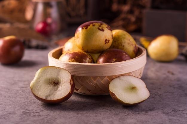 リンゴの完全ボウル
