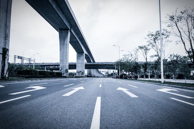 高速橋の景色