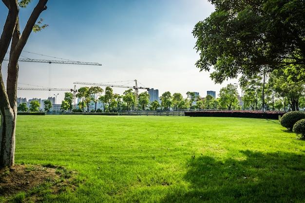 虹河の金融センターの公園