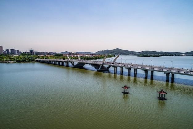 都市との橋