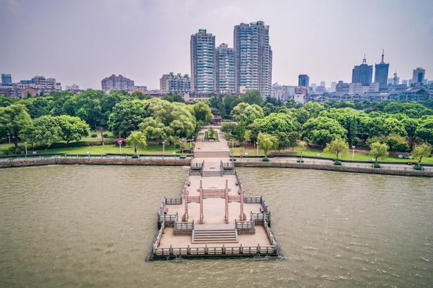 Парк в городе