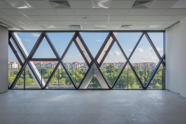 モダンな空のインテリア建築デザイン