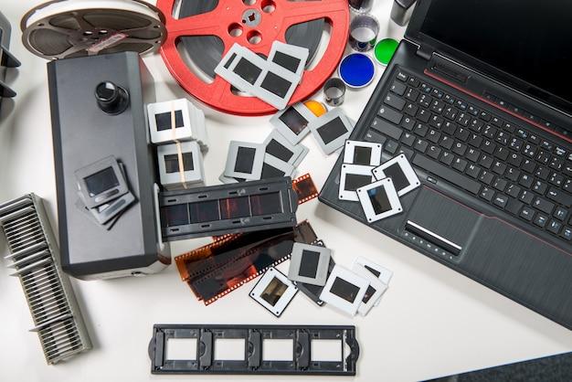 スライドやフィルムをスキャンしてデジタルデータに変換する