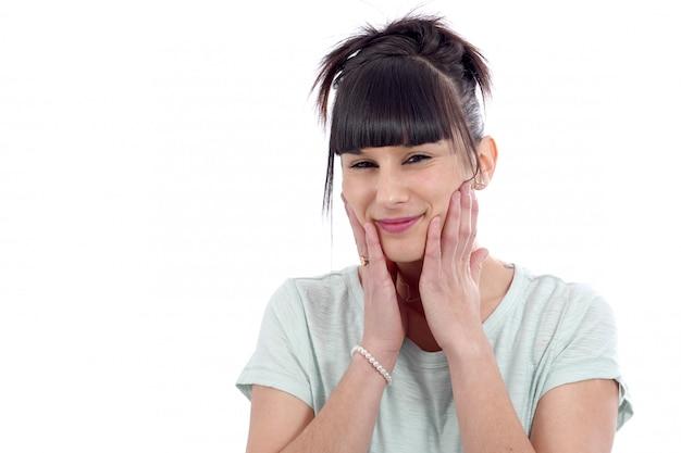 歯痛と若いブルネット
