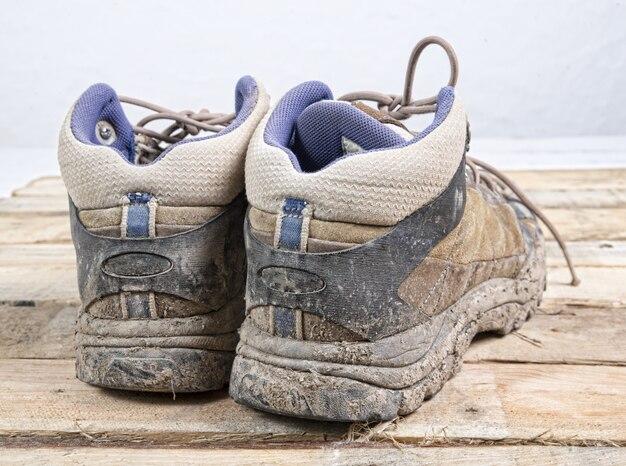 Кроссовки грязные
