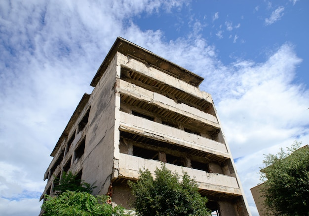 Руины города мостар