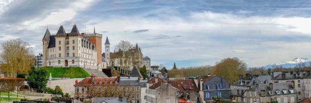 Замок пау во франции