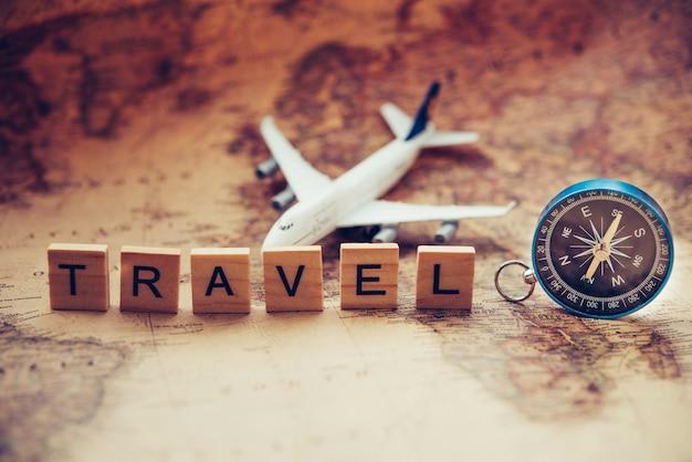 旅行やことばに必要な観光計画と備品