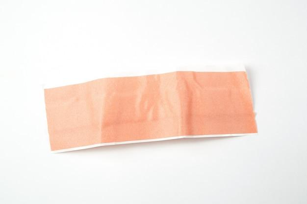 白い背景と分離医療用絆創膏
