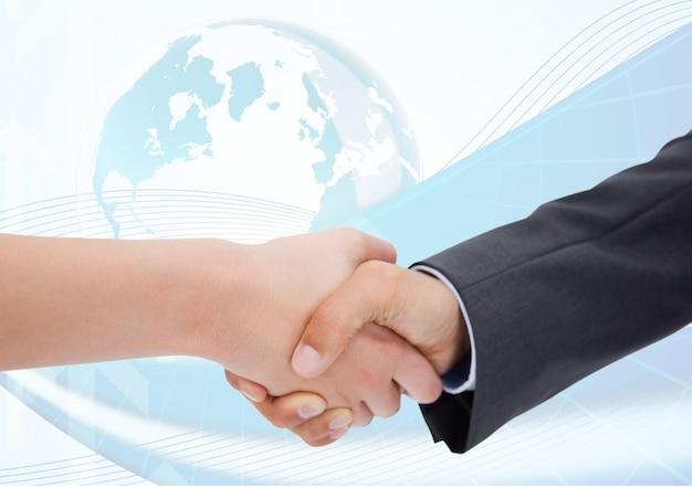 Глобальный мир успеха работника широкая дружба