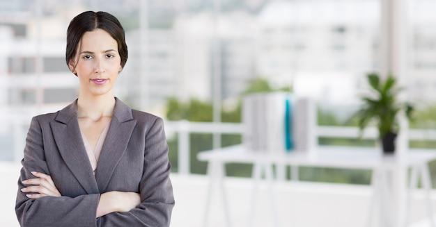 病院を笑顔の女性若い成人の専門知識