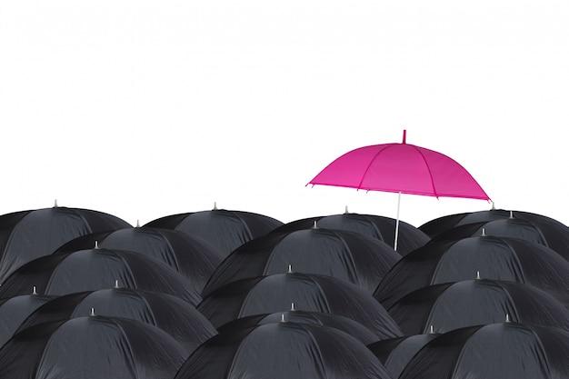 Розовый зонт среди черных зонтов