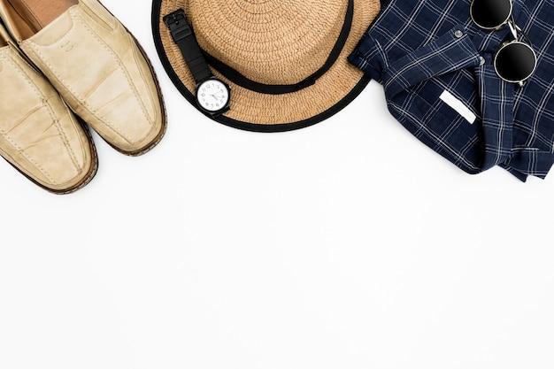 Мужская одежда с коричневыми туфлями