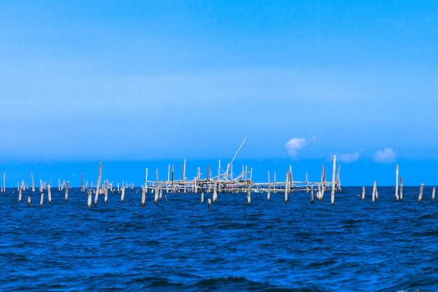 タイの熱帯の海湾。
