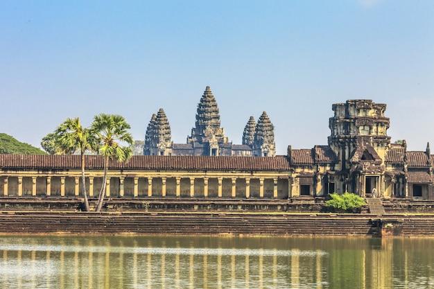 Древний замок в камбодже, ангкор-ват