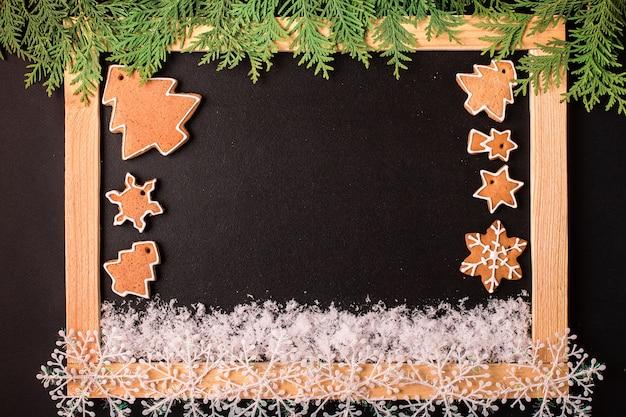 クリスマスジンジャーブレッドクッキーとクリスマスフレーム