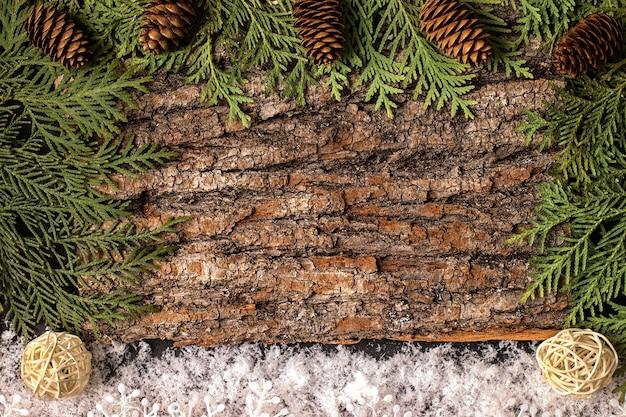 木の板の装飾クリスマスのモミの木