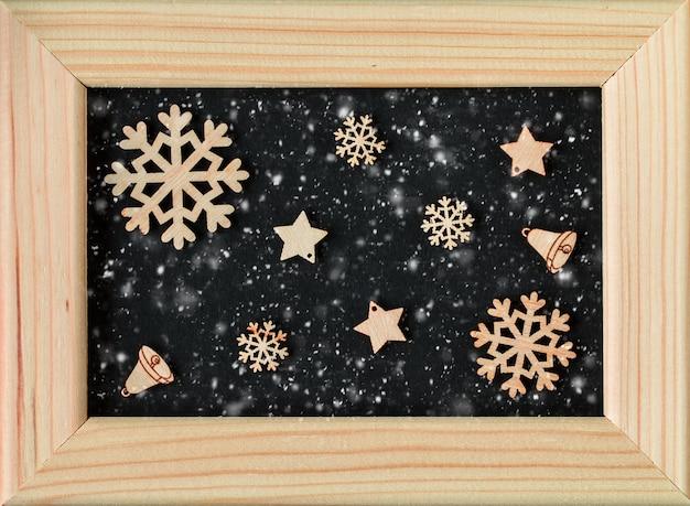 フォトフレームとクリスマスの装飾。クリスマスと新年