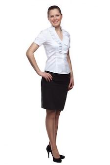 Анфас молодой женщины в полный рост на белом фоне