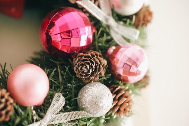 Часть красивого рождественского венка