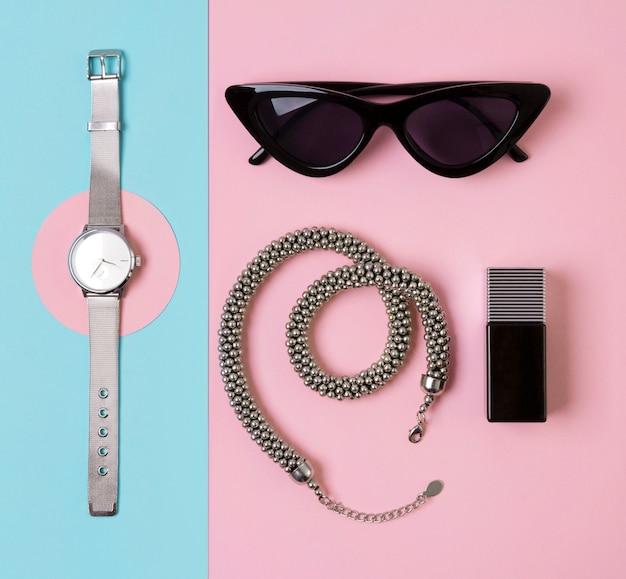 Модные женские аксессуары, часы, очки, парфюм и колье