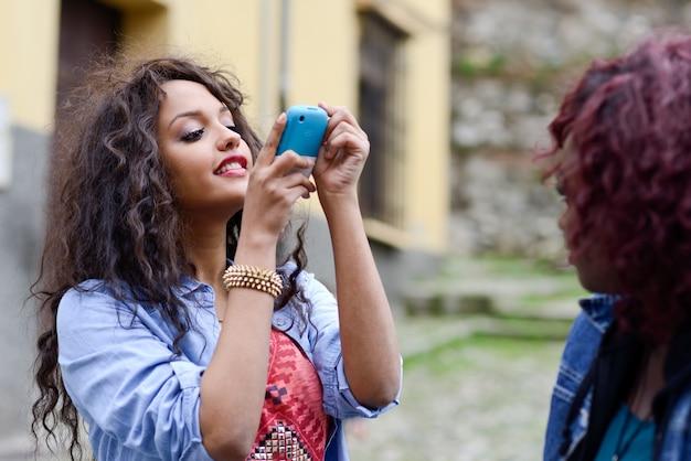 彼女の携帯を使って撮影ティーン