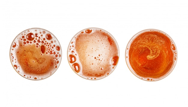 ガラスのビールの泡のセット。上面図