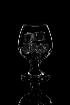 氷とウイスキー用グラス