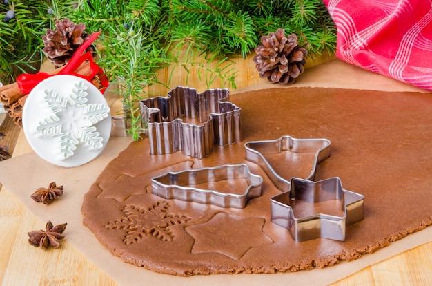 クリスマスクッキーと新年あけましておめでとうございますのジンジャーブレッド生地