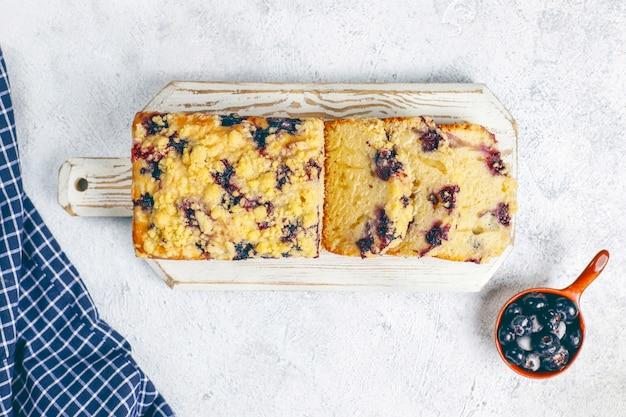自家製ブルーベリークランブルケーキ