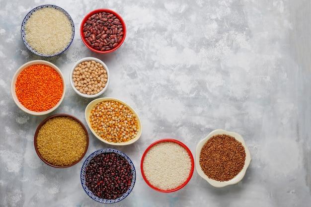 Суперпродукты, семена и зерна для веганского и вегетарианского питания. чистая еда