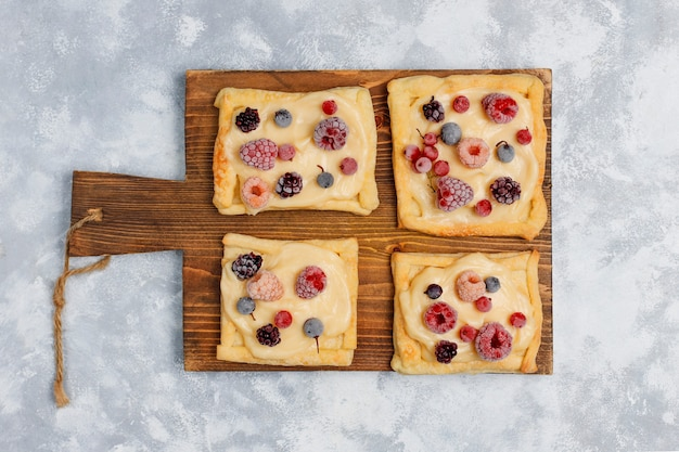 コンクリートの甘い果実と新鮮なおいしいパイ