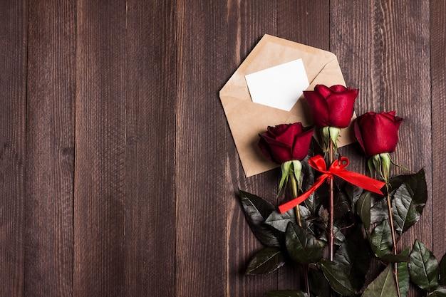 Любовное письмо на день святого валентина с поздравительной открыткой