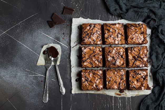 チョコレートブラウニーケーキピースパイ自家製ペストリー甘い料理