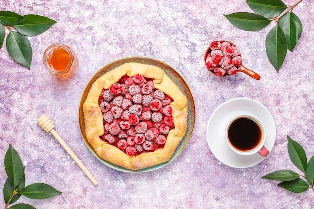 Открытый пирог, малиновый галет. летний ягодный десерт.