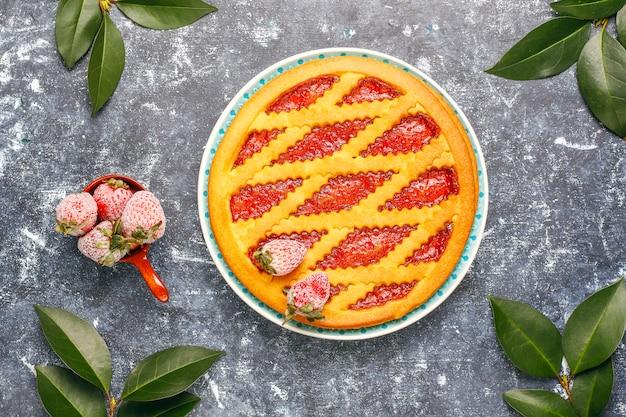 焼きいちごジャムパイケーキ甘いペストリー