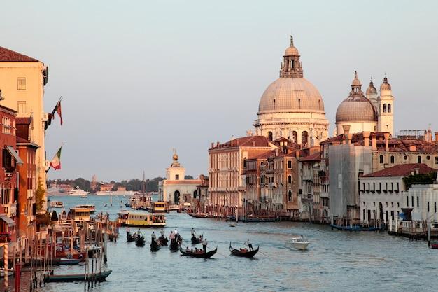 Большой канал венеции на закате