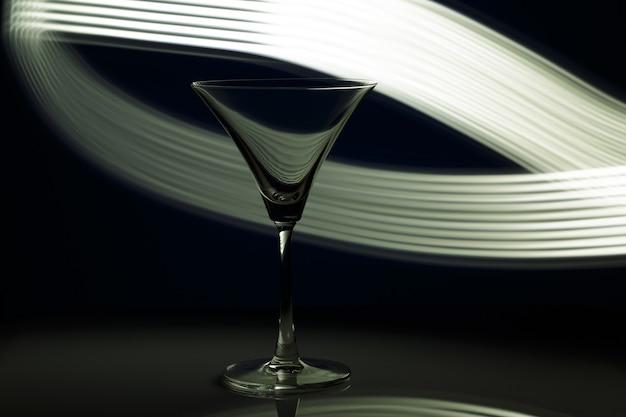 Силуэт стекла в ночном клубе