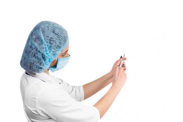 医者と注射器