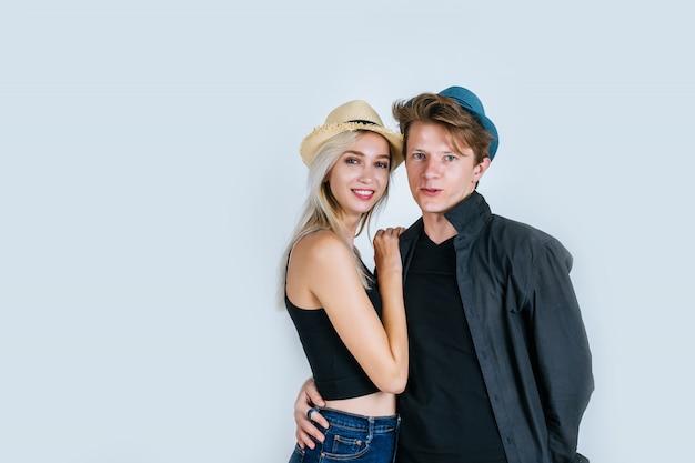 一緒に面白いカップルのファッション
