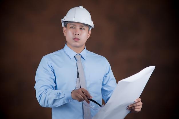 エンジニアの男性、建設労働者の概念