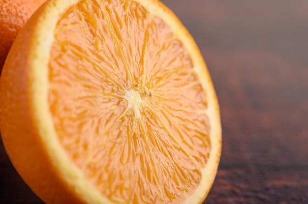熟したオレンジ、小さな被写界深度のマクロ画像。