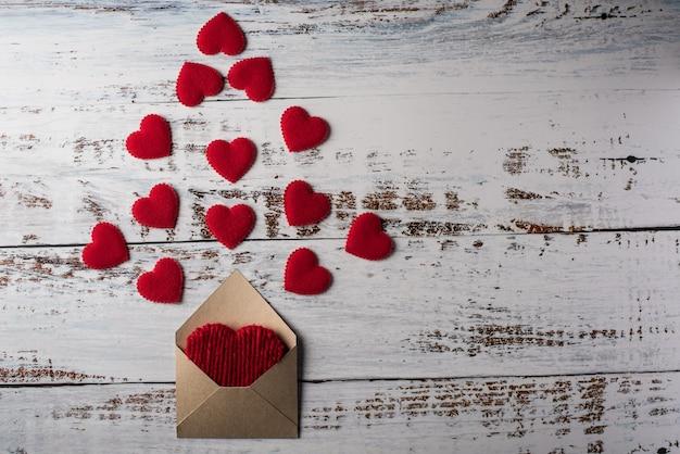 ウッドの背景、バレンタインデーのコンセプトに空白の文字