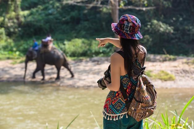 女性観光客
