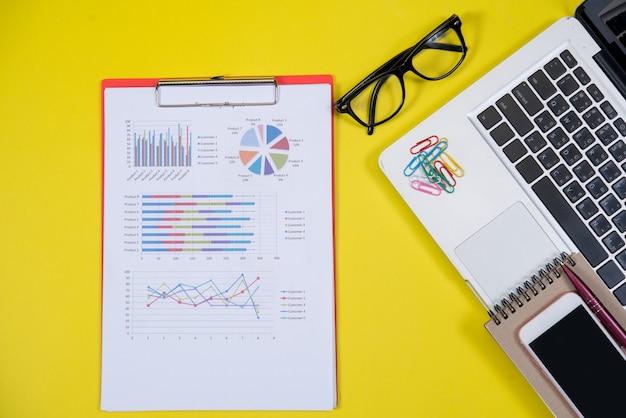 ビジネスアクセサリーオブジェクトと上面図