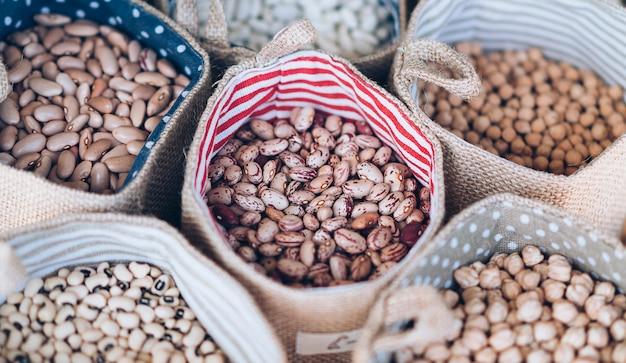 未調理のピント豆